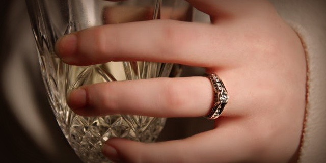Stop Ring From Spinning